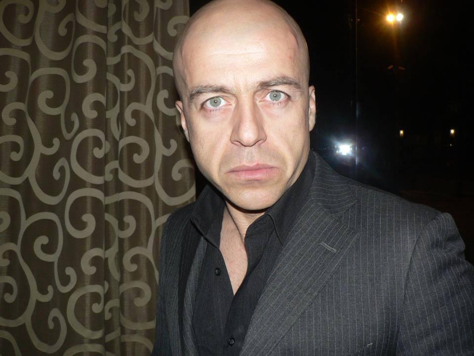 Популярно лице от ТВ екрана водещ на последното зрелище за годината MAXFIGHT 37