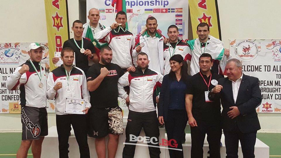 Министър Кралев награди медалистите от Световното първенство по кикбокс и Европейския шампионат по муай тай