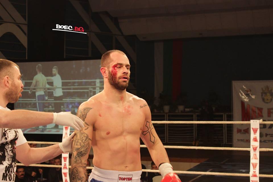 Прекратиха мача между Деян Топалски и Михаил Динев