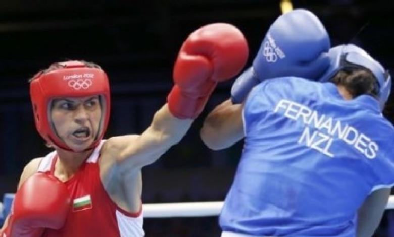 Стойка Петрова на четвъртфинал на световното по бокс