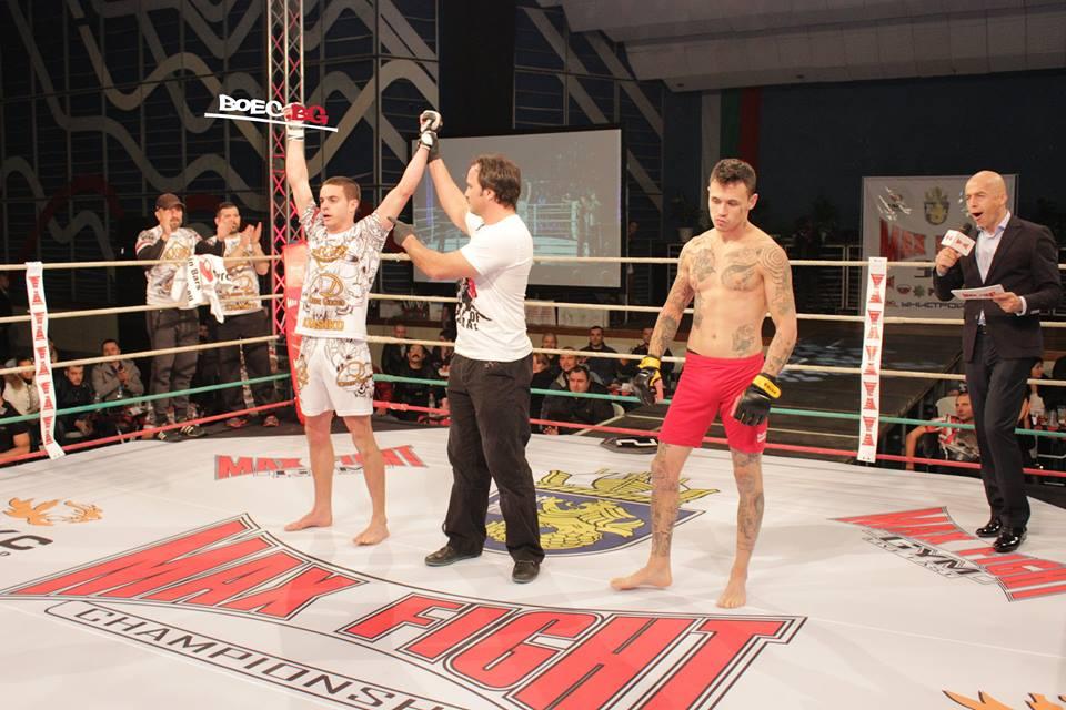 Йоан Стоянов с категорична победа на Max Fight 37