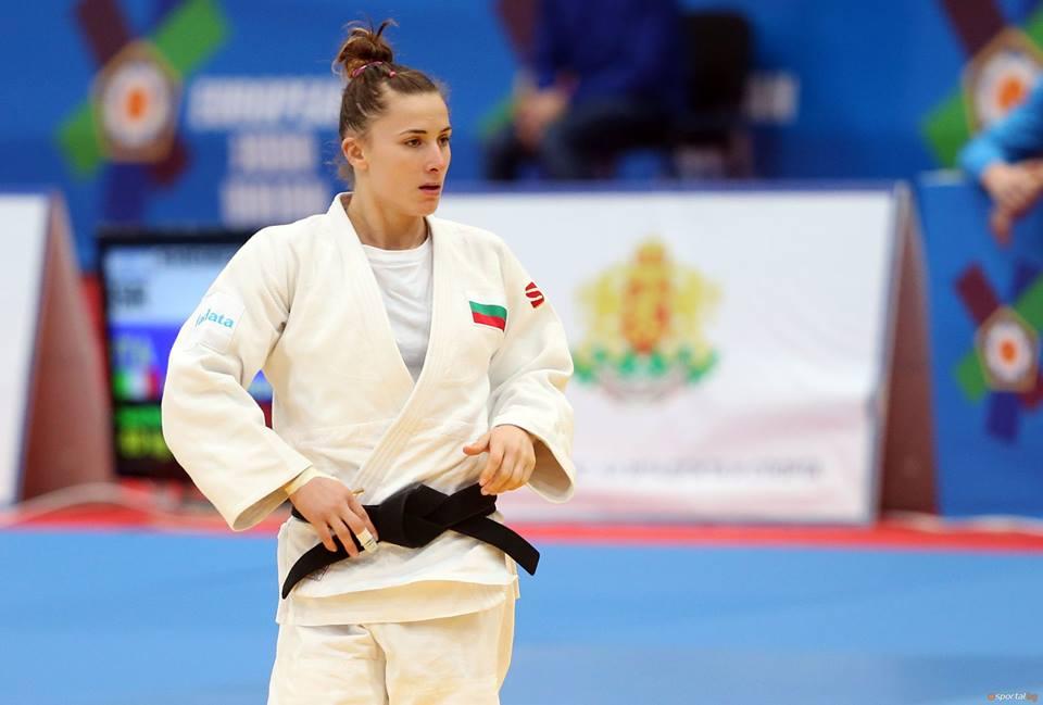 Ивелина Илиева се размина с медал от Гран При