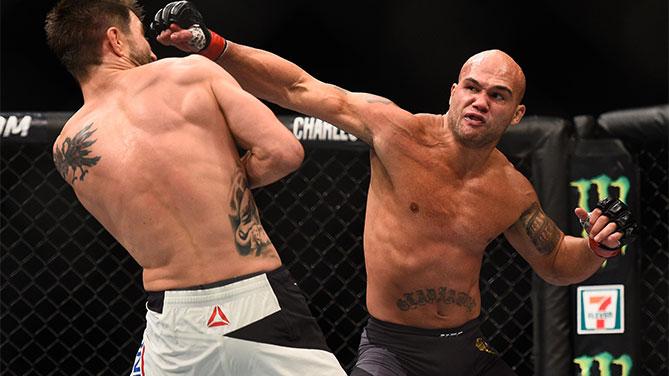 Аскрен дебютира срещу Роби Лоулър на UFC 233