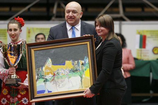 Държавата помага на Станка Златева за зала по борба