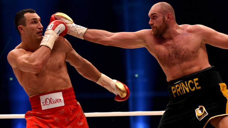 Tyson Fury и Wladimir Klitschko може да се бият в ОАЕ