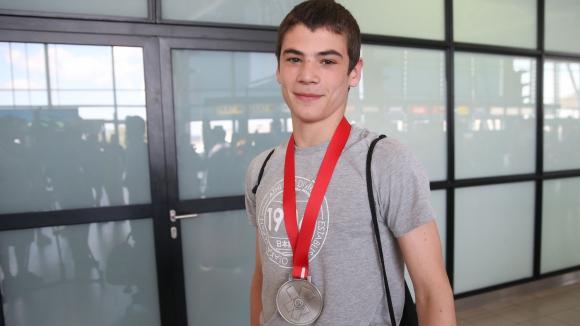 Светкавична победа осигури бронзов медал на Марк Христов на Гран При Загреб