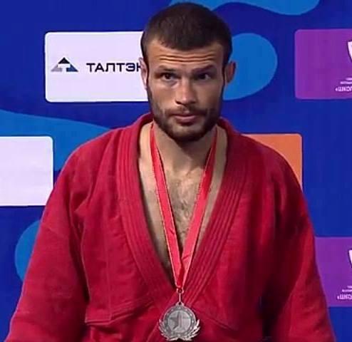 Марко Косев със среберън медал от европейското в Казан
