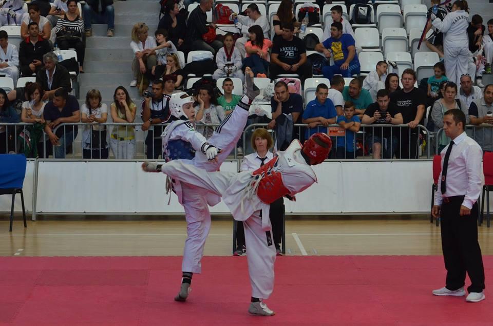 Националите по таекуондо заминаха за престижен турнир в Австрия