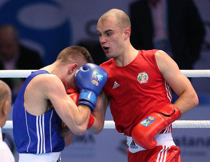 Чамов нокаутира съперник на старта на олимпийските квалификации по бокс