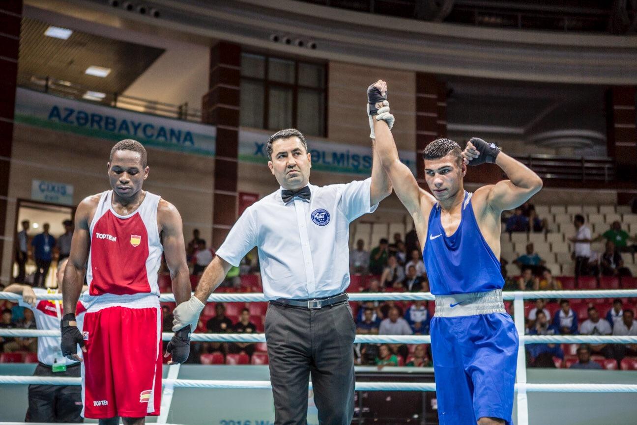 Даниел Асенов се класира за финала на олимпийската квалификация по бокс в Баку