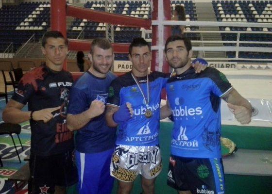 Атанас Божилов със своите съотборници Стоян Копривленски и  Йордан Янков и разбира се неговият треньор Николай Атанасов