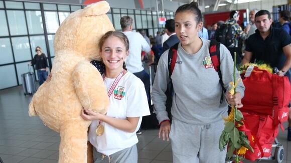Боксьорките ни се прибраха с пет медала от ЕП за момичета и девойки(СНИМКИ)