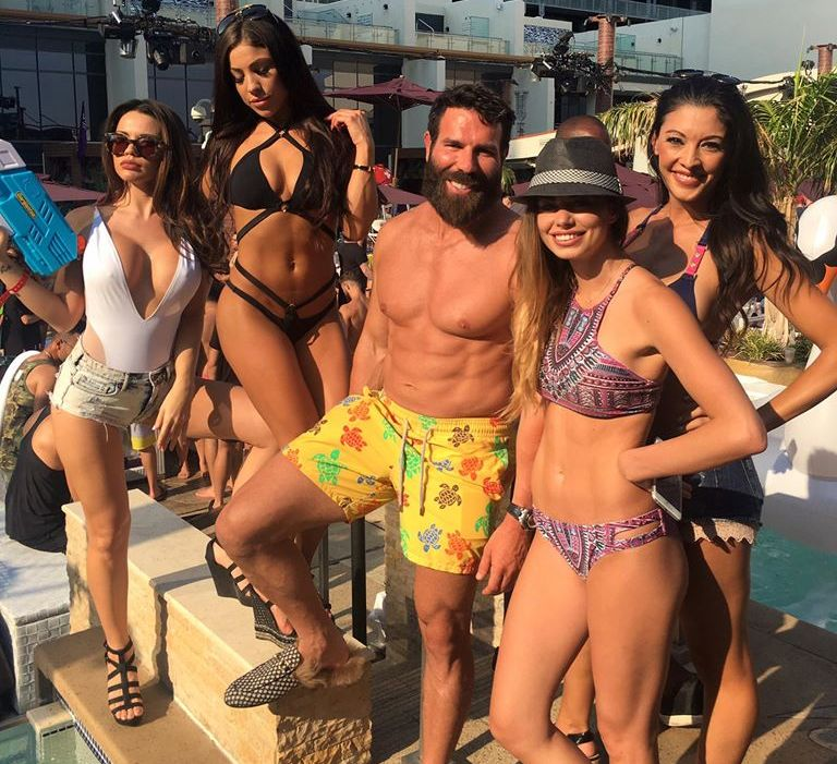 Известен покер милионер и бохем поиска да се бие в ММА, чака договор с UFC