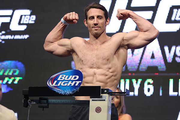 Бивш боец от UFC заплаши Ислямска държава: Тук сме, за да спечелим войната!