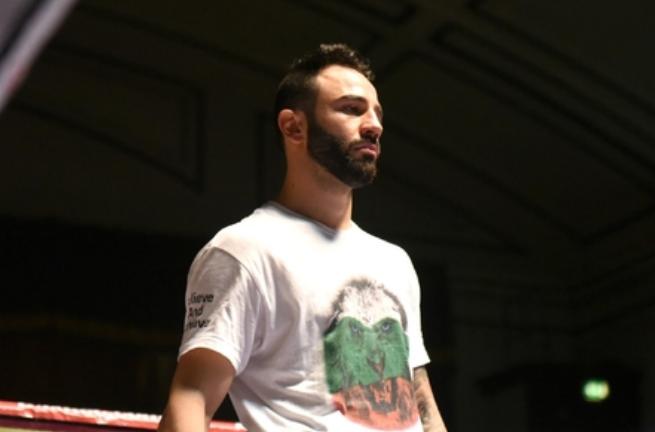 Българин шокира Англия и взе титла в профи бокса