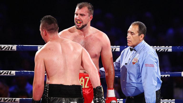 Джоузеф Паркър защити титлата си, чака мач с Джошуа (ВИДЕО)