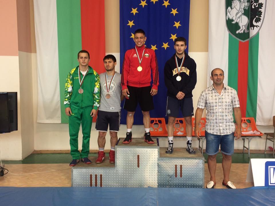 Георги Вангелов най-техничен и шампион на републиканското по борба