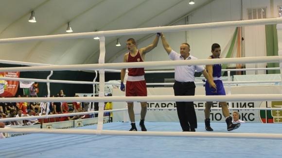 Двама наши си осигуриха поне бронз от Европейското по бокс в Албена