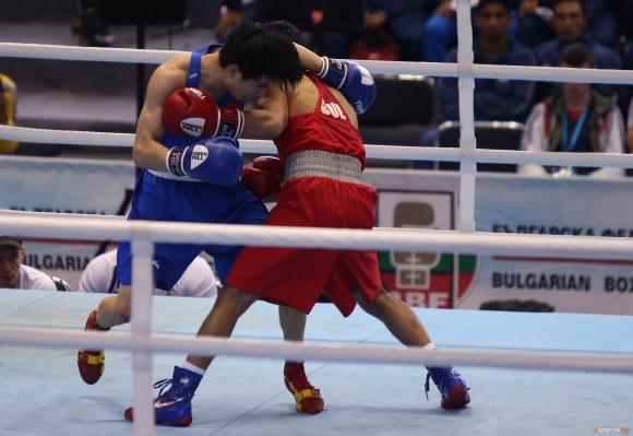 България си гарантира медал на Европейското по бокс