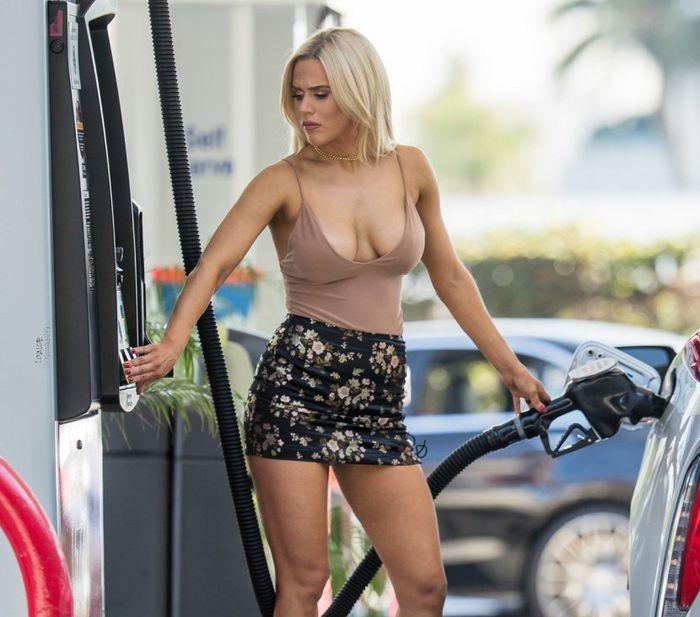 Жената на кечиста Русев подлуди клиенти на бензиностанция (СНИМКИ)