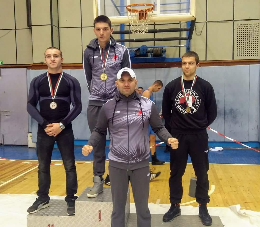 17-годишен триумфира безапелационно на републиканското по бокс
