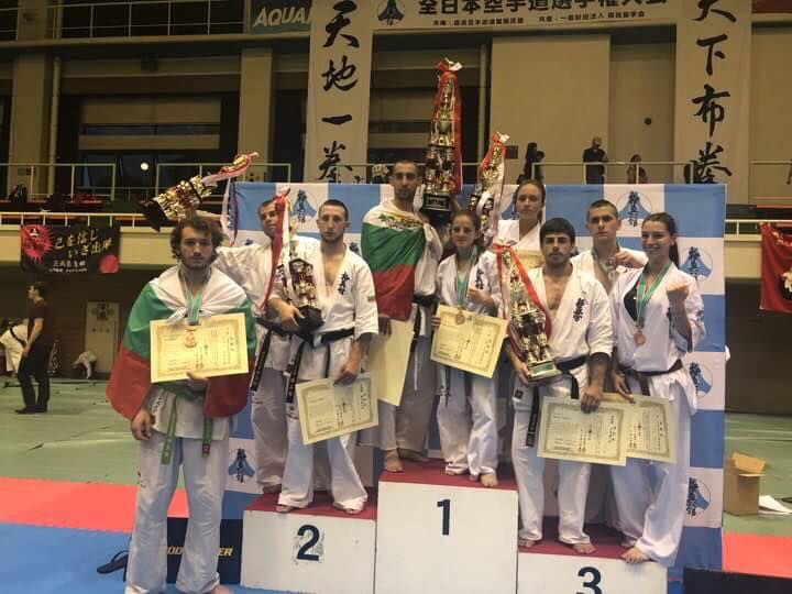 10 медала и шампионска титла от All Japan 2018 за родните киокушин национали