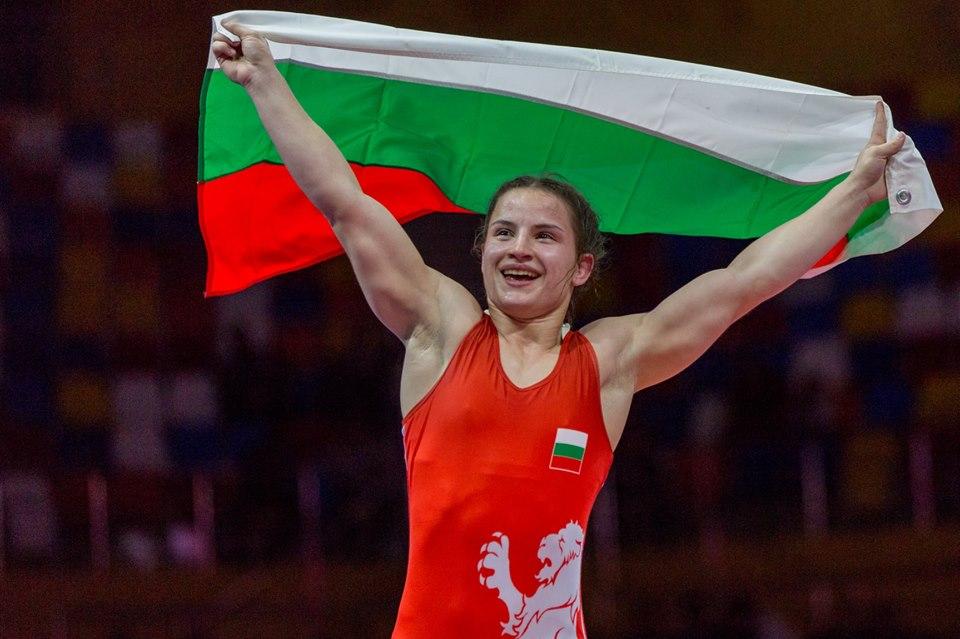 Три българки на полуфинал на Европейското по борба