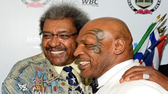 Легендарният Дон Кинг подписа с обещаващ боксьор