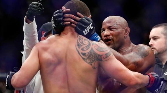 Ромеро преби от бой Уитакър, но победата бе дадена на шампиона (ВИДЕО+СНИМКИ)