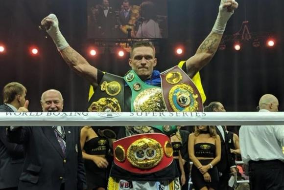 Усик стана абсолютен шампион в полутежка категория след открит урок срещу Гасиев (ВИДЕО)