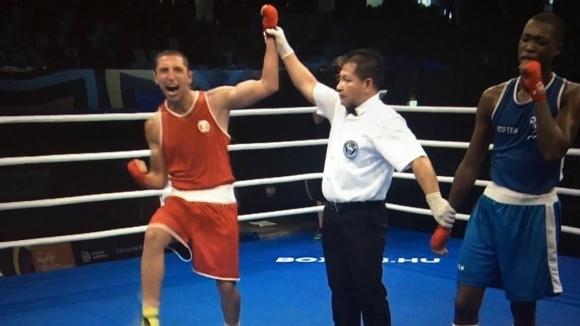 Иван Атанасов е 1/4-финалист на Световното по бокс за младежи