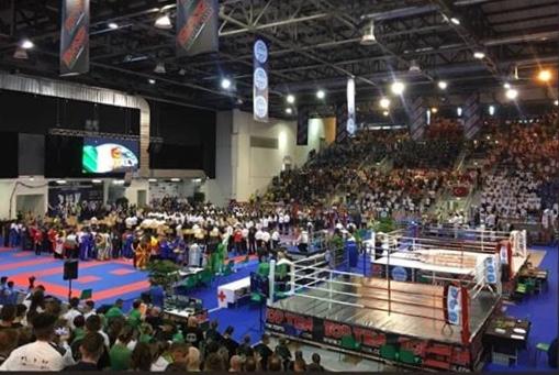 България започна с много победи на световното по кикбокс