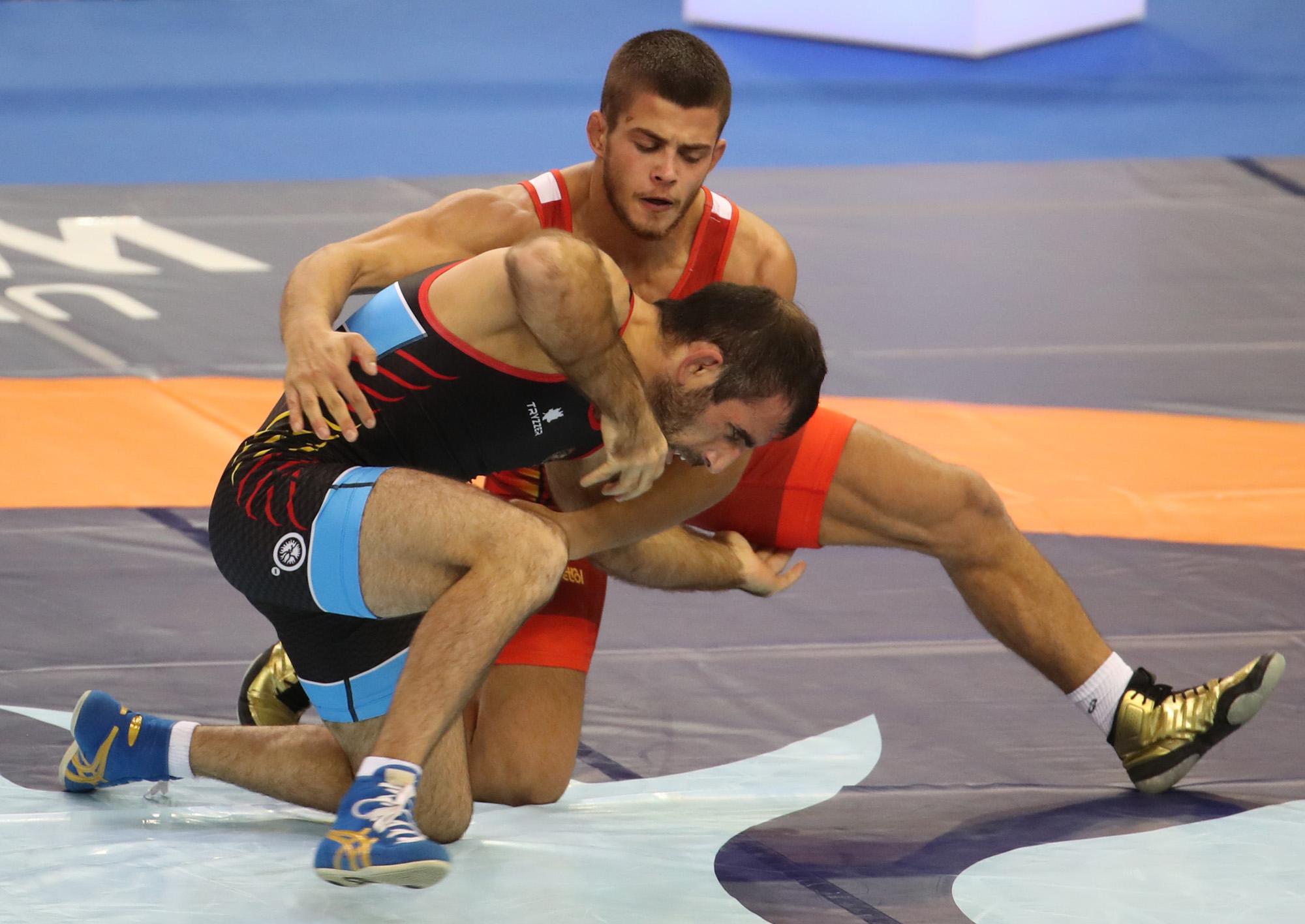 Загуба за Михаил Георгиев още на старта му на световното по борба
