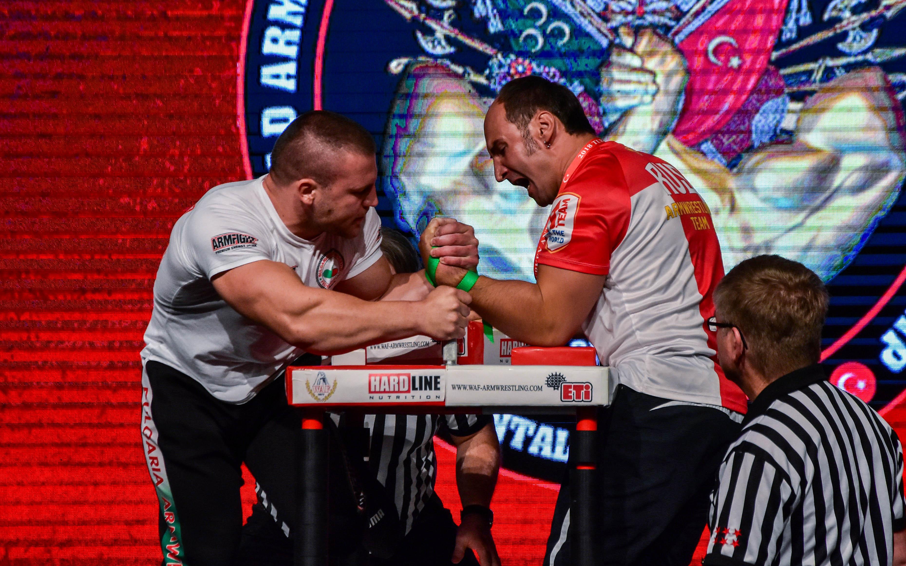 България с 6 медала от световното по канадска борба днес