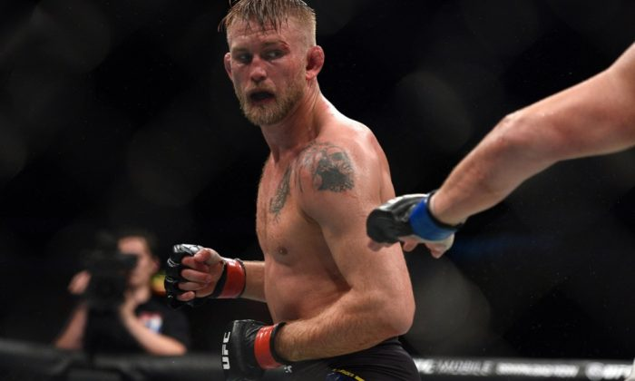 Шампионите в UFC се сбогуваха трогателно с Густафсон