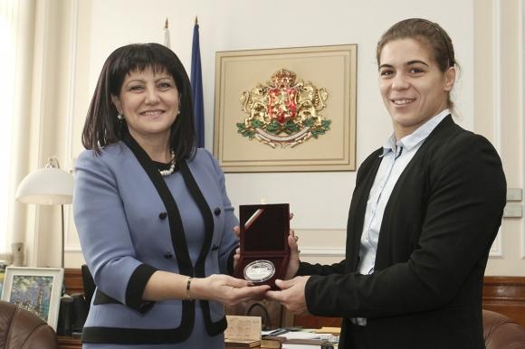 Народното събрание към Тайбе Юсеин: България е малка страна, но има големи шампиони