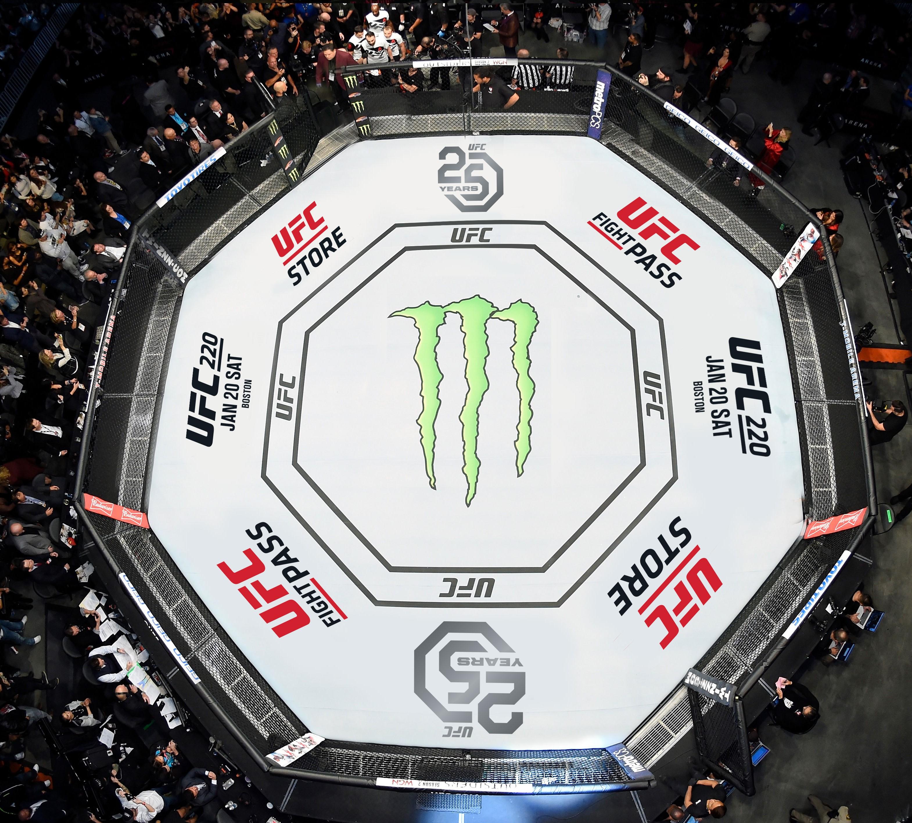 UFC обяви най-добрите за 2018 година