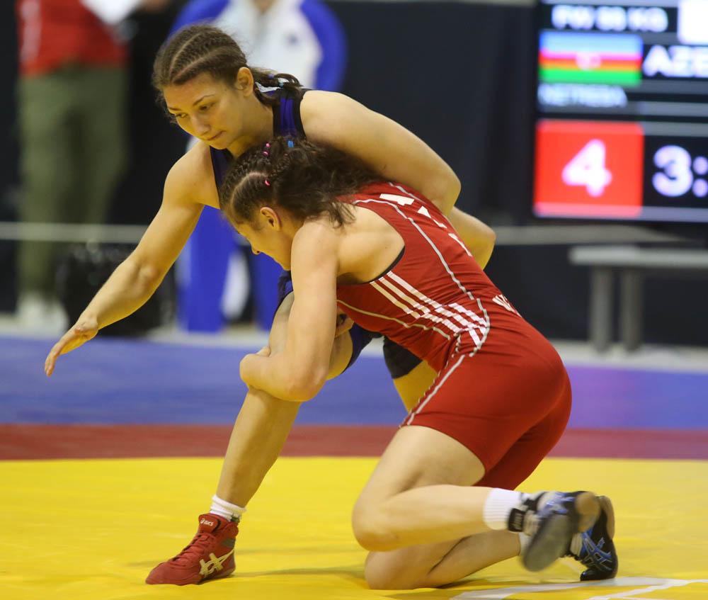 Бобева започва срещу кубинка на световното