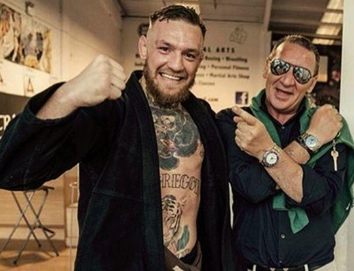 На 59 години Тони Макгрегър излиза на ринга