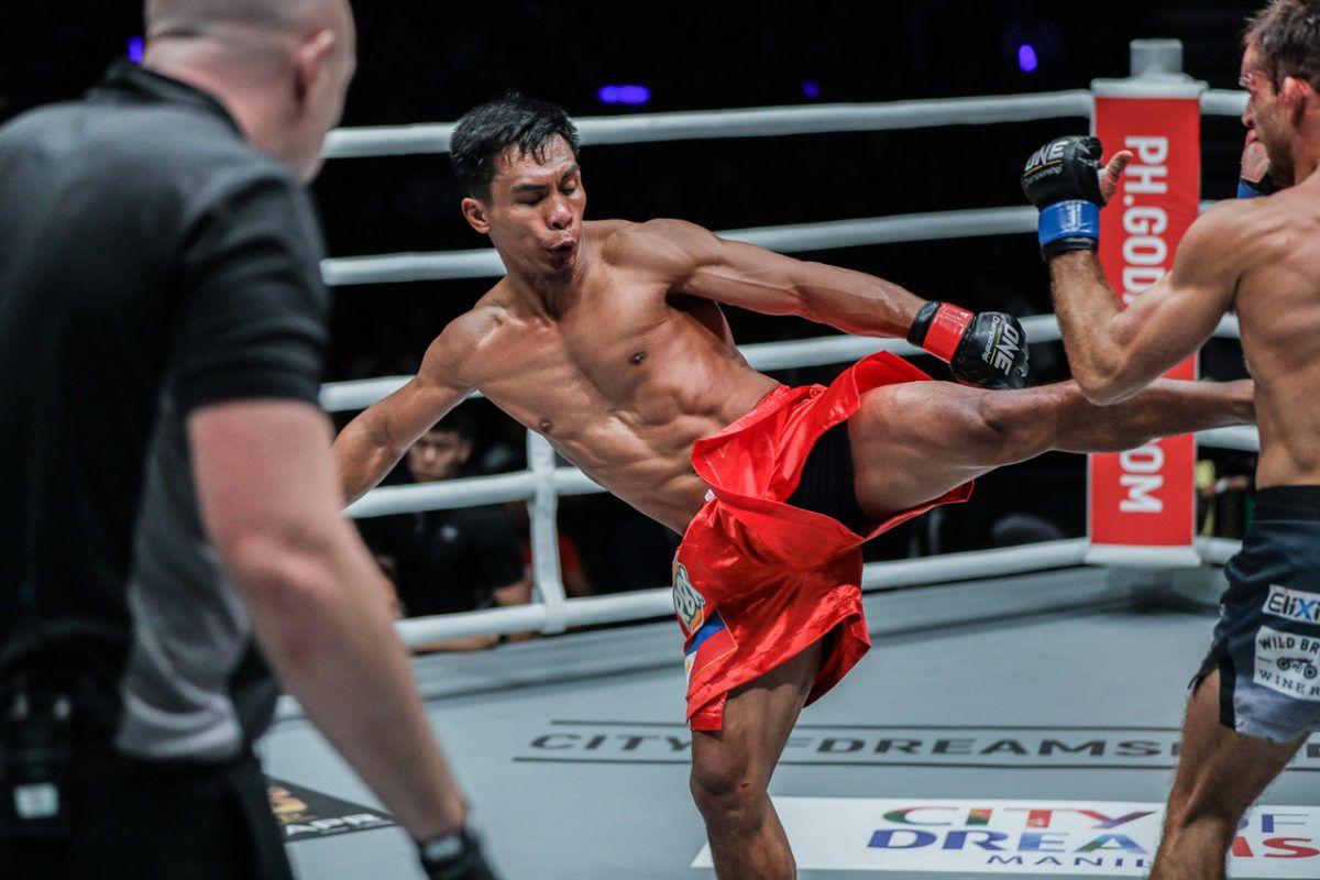Белингон изпраща приказна година, UFC се облизва