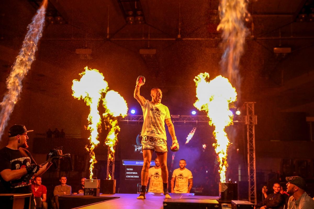 Дани Илиев със спаринг срещу световен шампион в тежката категория (ВИДЕО)