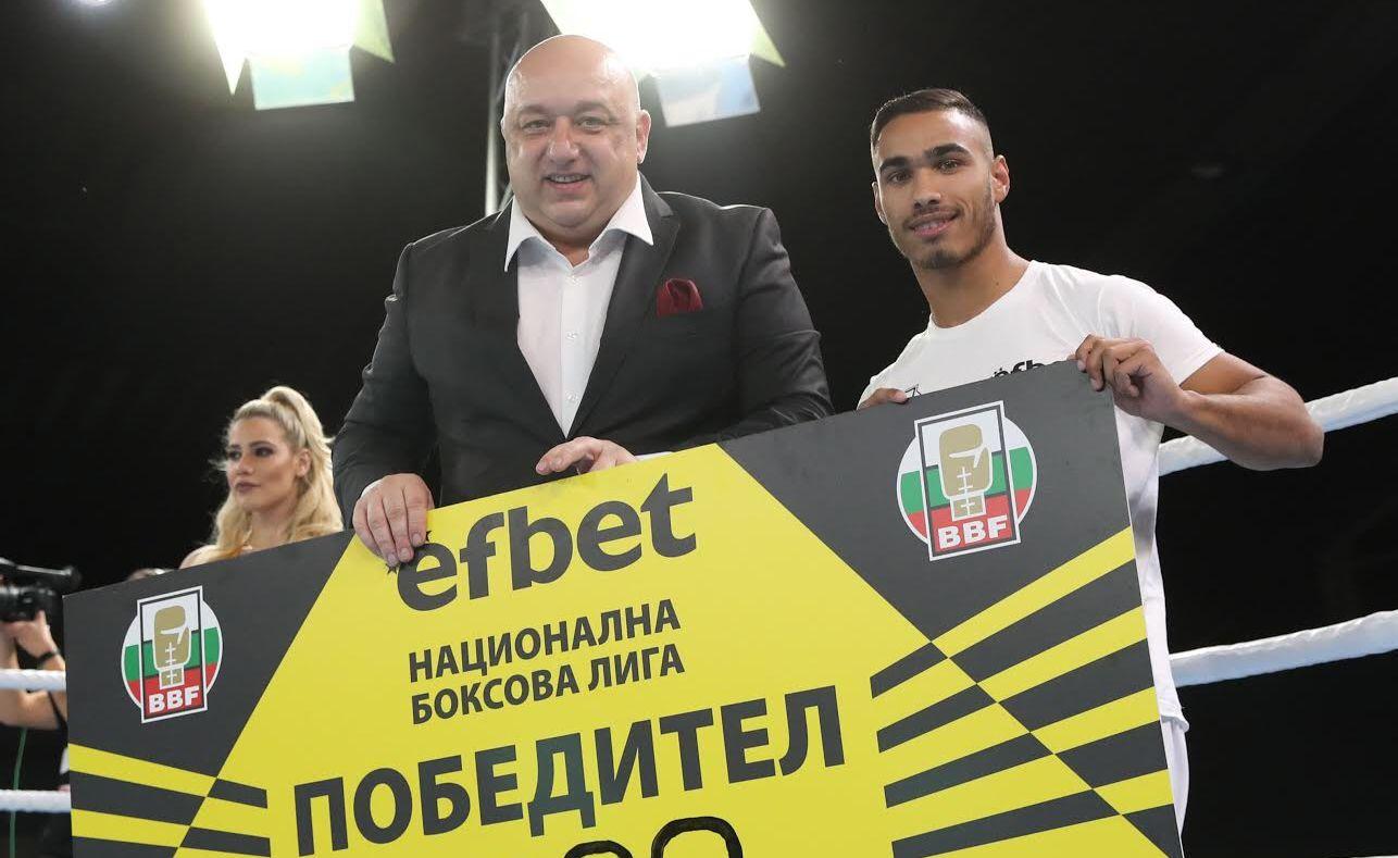 Министър Кралев изгледа Националната боксова лига и награди Боян Асенов