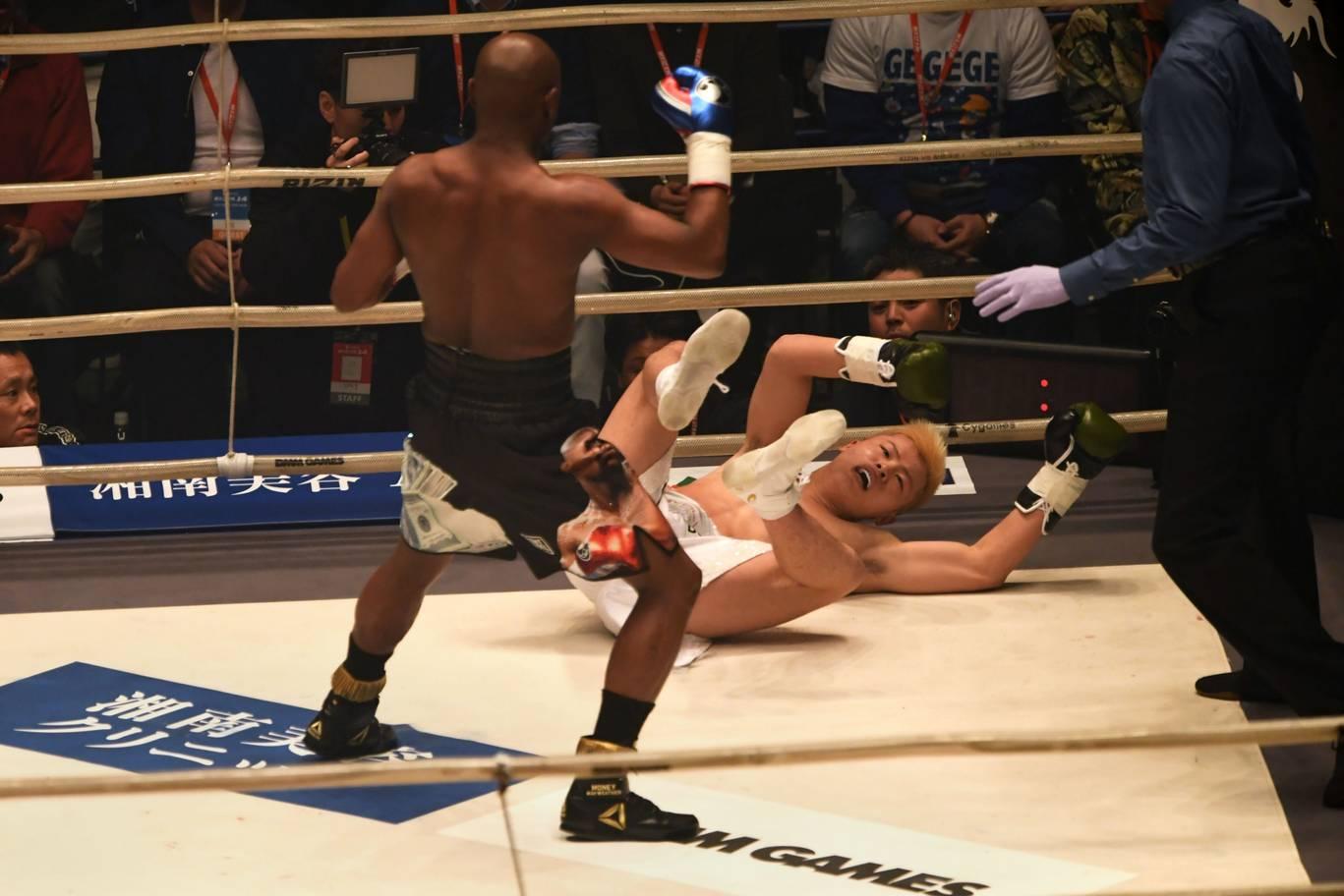 Вижте как Мейуедър разпиля Насукава за един рунд (СНИМКИ+ВИДЕО)