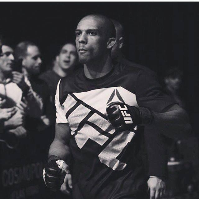 Барбоса крещи след UFC: Върнах се! Бъдете готови!