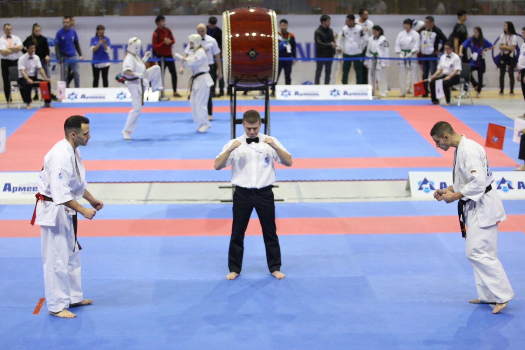 Българските киокушинци газят – десетима на полуфинал на Европейското
