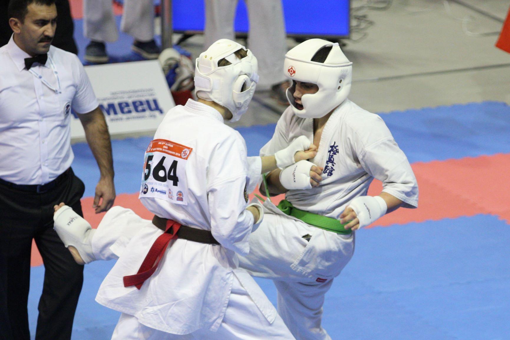 Един сребърен и три бронзови медала за България от световното по киокушин