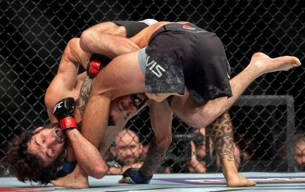 Най-добрите събмишъни в UFC за 2018 г. (ВИДЕО)