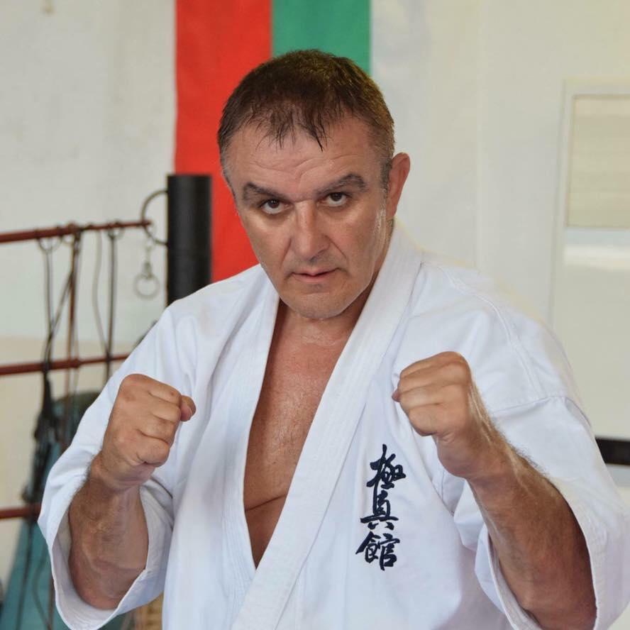 Шихан Асен Асенов бе удостоен с шести дан в карате киокушин