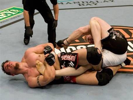 Бивш шампион на UFC дебютира в кеча