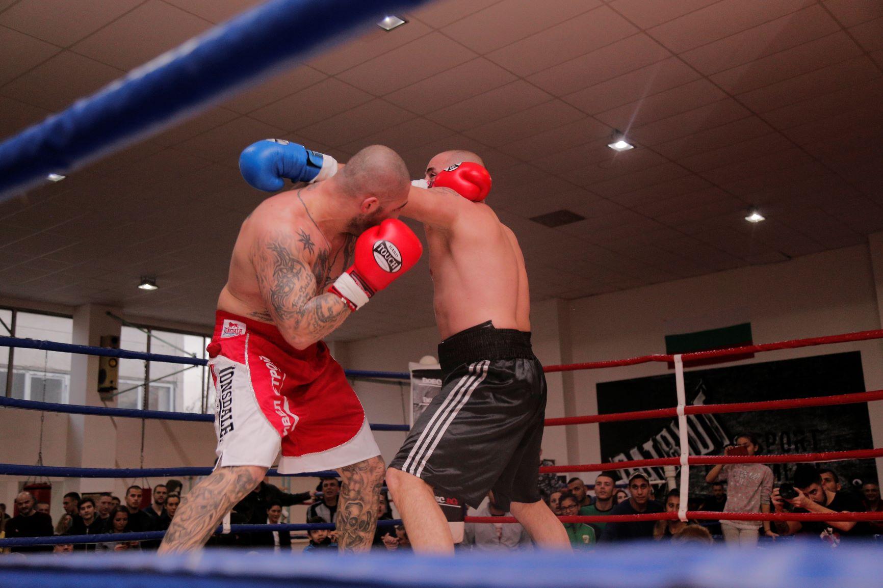 Професионалният бокс у нас с нова верига (ВИДЕО)